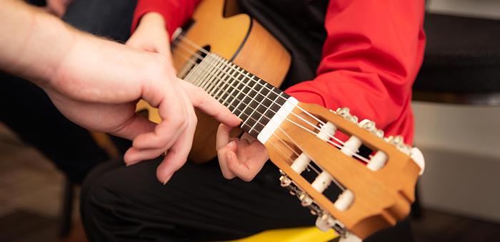 spievami si s gitarou